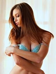 Amber Sym takes off her teal bra - Digital Desire
