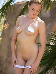 Bailey Rayne loves will not hear of legs - Digital Desire