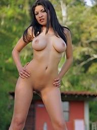 Natalia Spice shows off..