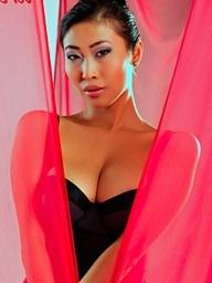 Sharon Lee, breasty..